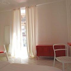 Nice Art Hotel - Hostel Стандартный номер с различными типами кроватей фото 7