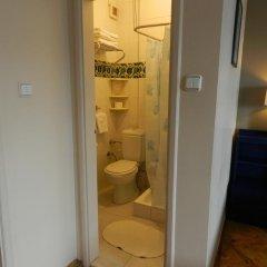 Отель Berk Guesthouse - 'Grandma's House' 3* Стандартный семейный номер с двуспальной кроватью фото 36