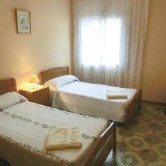 Отель Villa Juliana Испания, Бланес - отзывы, цены и фото номеров - забронировать отель Villa Juliana онлайн комната для гостей фото 3