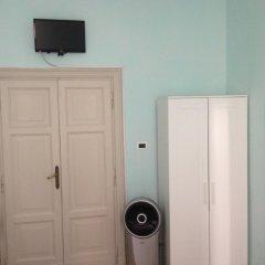 Отель Colazione Al Vaticano Guest House 3* Стандартный номер с двуспальной кроватью (общая ванная комната) фото 3