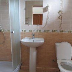 Гостевой дом Баварский дворик ванная фото 2