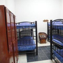 Отель Hostal de Maria Кровать в общем номере с двухъярусной кроватью фото 2