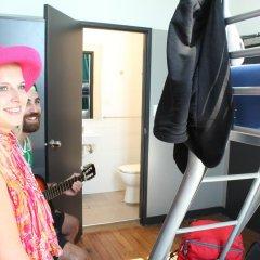 Отель Bunk Backpackers Стандартный номер с различными типами кроватей фото 2