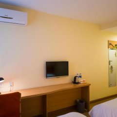 Отель Home Inn Китай, Гуанчжоу - отзывы, цены и фото номеров - забронировать отель Home Inn онлайн удобства в номере