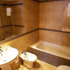 Отель Apartamentos Esmeralda Suites ванная