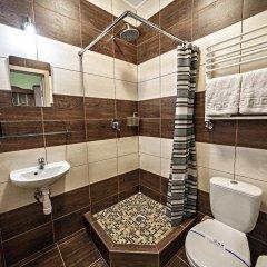 Гостиница ЦісаR Украина, Львов - 10 отзывов об отеле, цены и фото номеров - забронировать гостиницу ЦісаR онлайн ванная