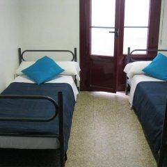 Ideal Youth Hostel Стандартный номер с 2 отдельными кроватями (общая ванная комната)
