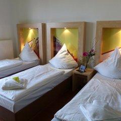 H+ Hotel 4 Youth Berlin Mitte 2* Стандартный номер с различными типами кроватей фото 2
