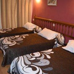 Отель Hostal Waksman Стандартный номер с различными типами кроватей (общая ванная комната) фото 2