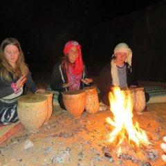 Отель Desert Berber Fire-Camp Марокко, Мерзуга - отзывы, цены и фото номеров - забронировать отель Desert Berber Fire-Camp онлайн развлечения