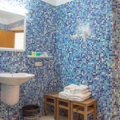 Отель Los Rosales Испания, Форментера - отзывы, цены и фото номеров - забронировать отель Los Rosales онлайн ванная