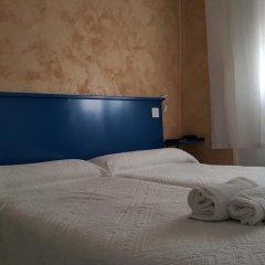 Отель Giraldilla Номер категории Эконом с различными типами кроватей фото 8
