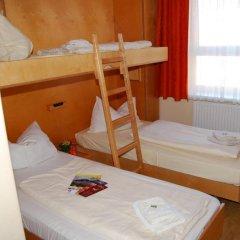 JUFA Hotel Salzburg 2* Стандартный семейный номер с двуспальной кроватью фото 5