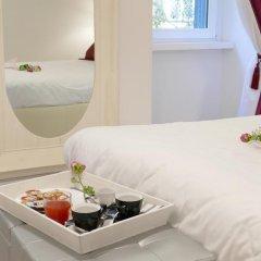 Отель Your Vatican Suite Номер Делюкс с двуспальной кроватью фото 8