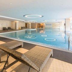 Отель Holiday Inn Shanghai Hongqiao бассейн