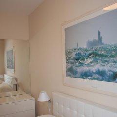 Отель Alpazur: Lovely Apartment with Sea View Франция, Ницца - отзывы, цены и фото номеров - забронировать отель Alpazur: Lovely Apartment with Sea View онлайн комната для гостей фото 5