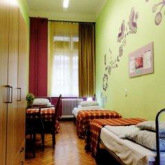 Budapest Budget Hostel Стандартный номер с различными типами кроватей (общая ванная комната) фото 24