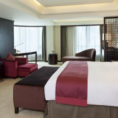 Отель Holiday Inn Guangzhou Shifu 4* Улучшенный номер с разными типами кроватей фото 2