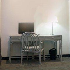 Отель Carlton 3* Стандартный номер с двуспальной кроватью фото 12