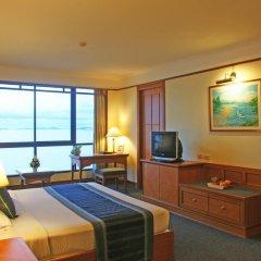 Отель Cholchan Pattaya Beach Resort 4* Улучшенный номер с различными типами кроватей фото 5