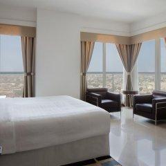 Отель Four Points by Sheraton Sheikh Zayed Road, Dubai Стандартный номер с различными типами кроватей