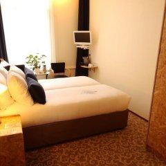 Hotel Fita сейф в номере