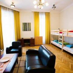 Friends Hostel and Apartments Budapest Кровать в женском общем номере фото 4