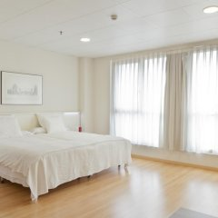 Отель Vertice Roomspace Madrid 3* Улучшенный номер с 2 отдельными кроватями фото 4