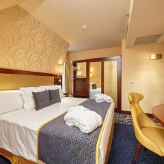 Отель Occidental Praha Wilson 5* Улучшенный номер с двуспальной кроватью фото 5