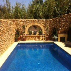 Отель Gozo Hills Bed and Breakfast бассейн фото 3