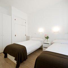 Отель NeoMagna Madrid 2* Улучшенный номер с различными типами кроватей фото 20