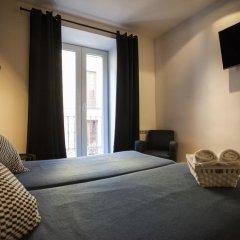 Отель Hostal CC Malasaña Улучшенный номер с различными типами кроватей фото 14