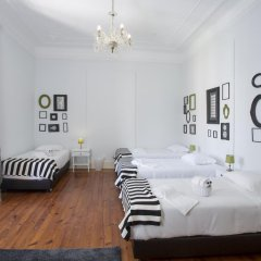 Отель Typical Lisbon Guest House Стандартный номер с различными типами кроватей фото 10