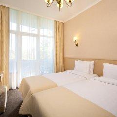 Гостиница Санаторно-курортный комплекс Знание 3* Семейный номер Комфорт с разными типами кроватей фото 2