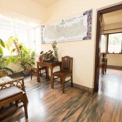 Отель Swayambhu View Guest House Непал, Катманду - отзывы, цены и фото номеров - забронировать отель Swayambhu View Guest House онлайн интерьер отеля