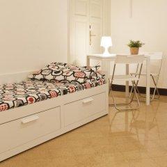 Mamamia Hostel and Guesthouse Стандартный семейный номер с двуспальной кроватью фото 13