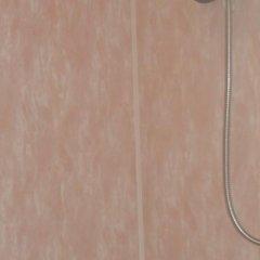 Гостиница База отдыха Искра в Анапе отзывы, цены и фото номеров - забронировать гостиницу База отдыха Искра онлайн Анапа удобства в номере фото 2