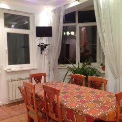 Апартаменты Sea View Apartments Сочи комната для гостей фото 4