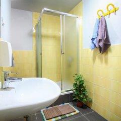 Отель My Way Hostel Хорватия, Загреб - отзывы, цены и фото номеров - забронировать отель My Way Hostel онлайн ванная