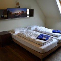 St Christophers Inn Hostel at The Bauhaus Стандартный номер с 2 отдельными кроватями фото 4