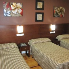 Отель Hostal Abadia Стандартный номер с 2 отдельными кроватями фото 5