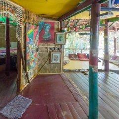 Leaf House Bungalow - Hostel Кровать в общем номере с двухъярусной кроватью фото 5