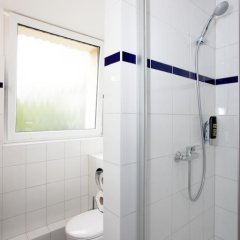 Отель a&o Prag Metro Strizkov ванная фото 2