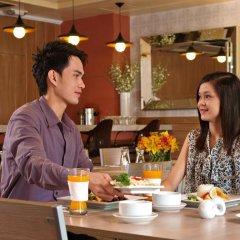 Отель Kimberly Manila Филиппины, Манила - отзывы, цены и фото номеров - забронировать отель Kimberly Manila онлайн гостиничный бар