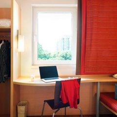Отель Ibis Xian Heping сейф в номере