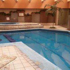 Отель Country Plaza бассейн