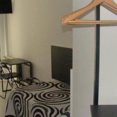 Отель Hostal JQ Madrid 1 удобства в номере фото 2