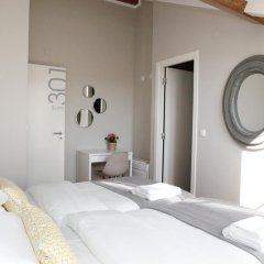 Отель Flores Guest House 4* Стандартный номер с двуспальной кроватью фото 30
