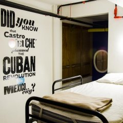 Hostel Mundo Joven Catedral Кровать в общем номере фото 3