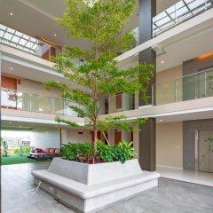 Отель At The Tree Condominium Phuket интерьер отеля